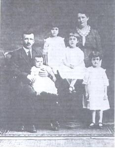 Anthony Kreisl and Family 1915