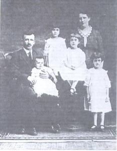 Anthony Kreisl and Family 1915